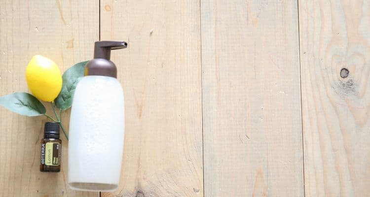 Foaming Handsoap using Essential Oils