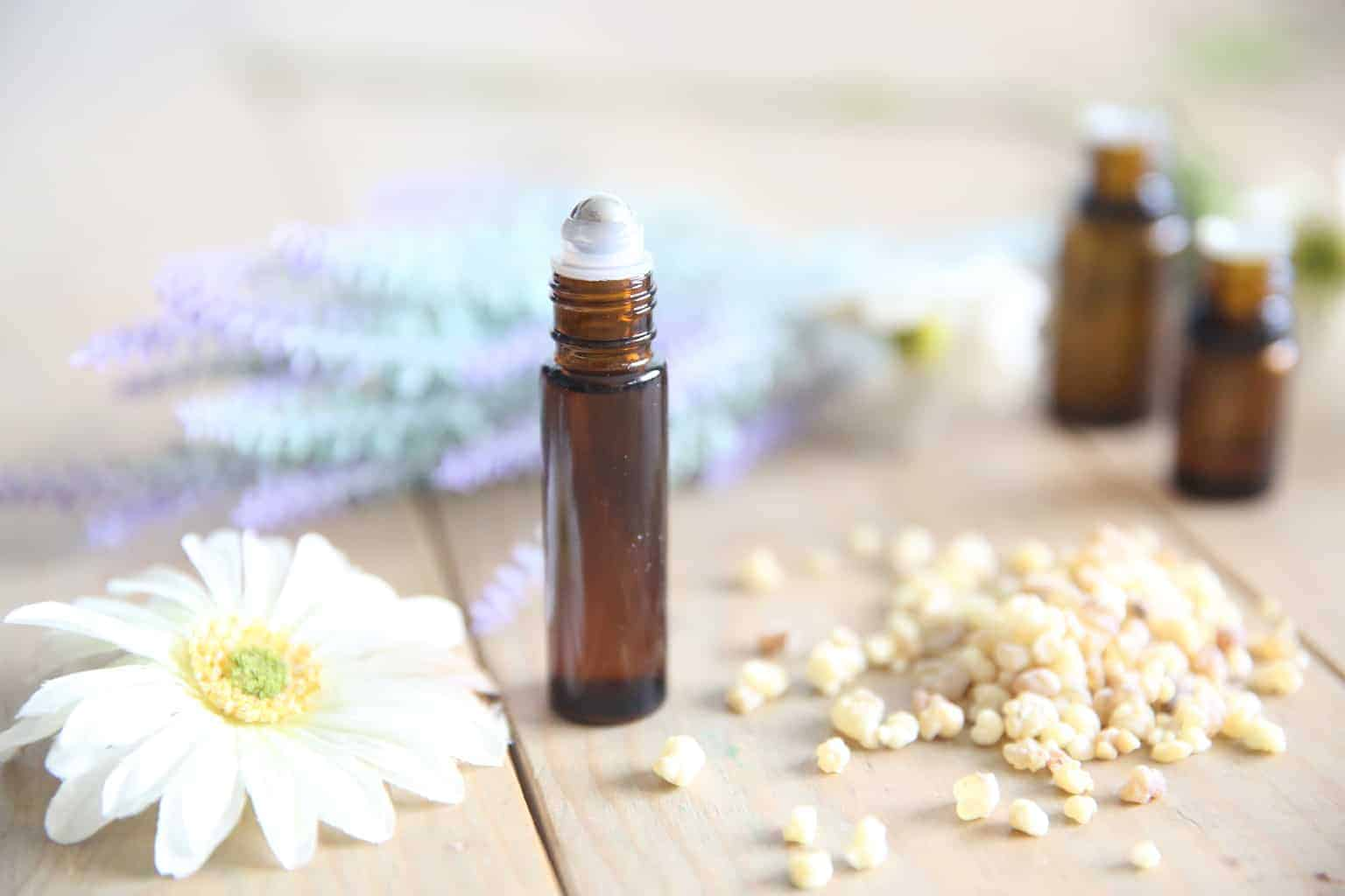 ESSENTIAL OILS FOR PAIN DUE TO TEETHING 2
