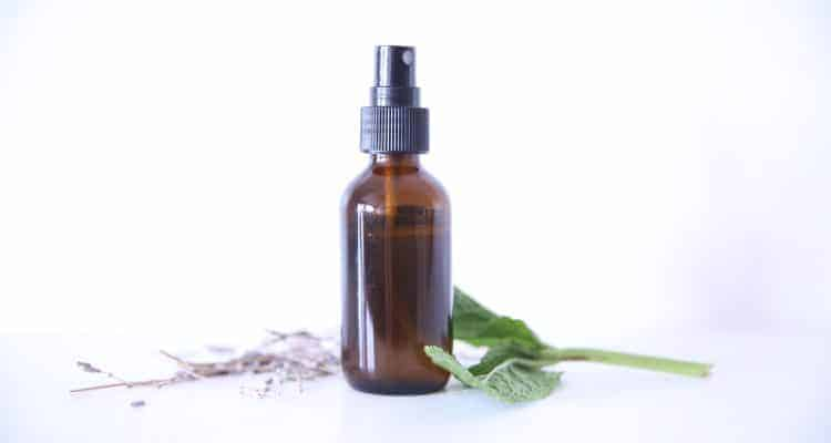 How to Make After Sun Spray with Essential Oils