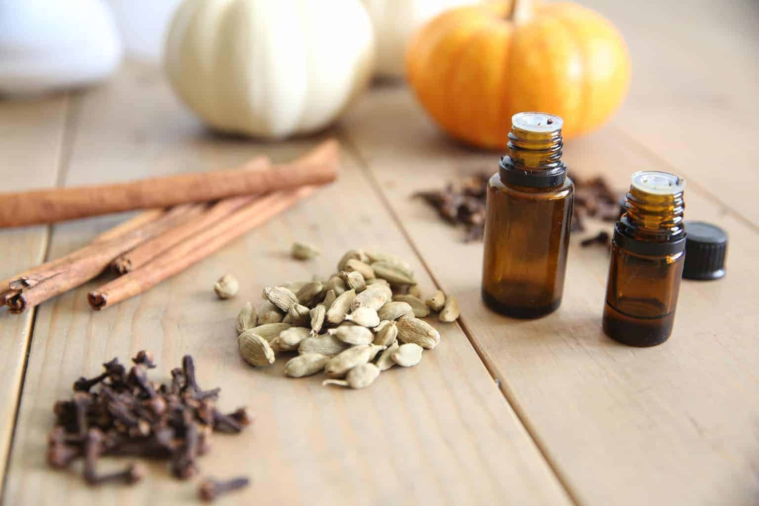 Diffusing essentiel oils during the fall months can create a cozy fall atmosphere while boosting the immune system naturally and killing germs in the air.