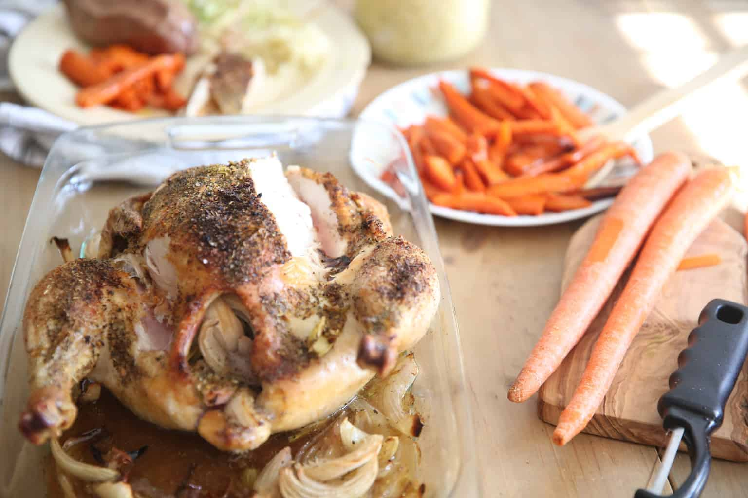 How to roast a whole chicken and vegetables. Healthy whole 30 chicken dinner for the whole family. Kid friendly meal ideas.