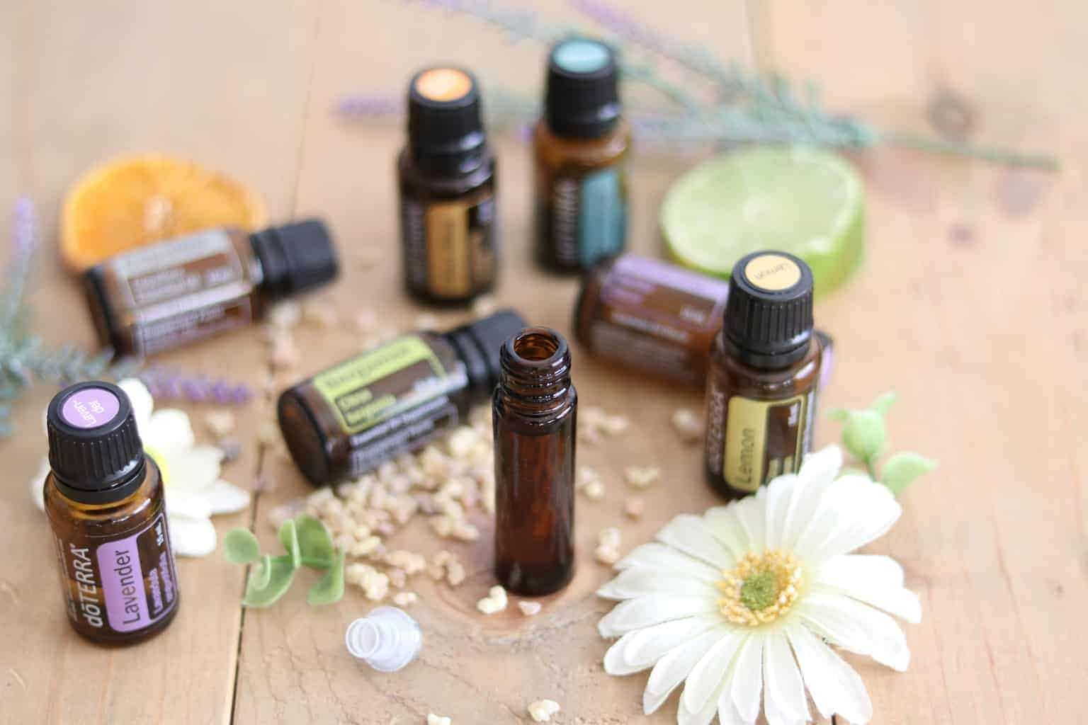 LEARN HOW TO MAKE THE ULTIMATE STRESS AND ANXIETY ROLLER BOTTLE. APPLYING ESSENTIAL OILS TOPICALLY CAN HELP WITH THE BODIES STRESS RESPONSE AND PROMOTE CALMNESS.