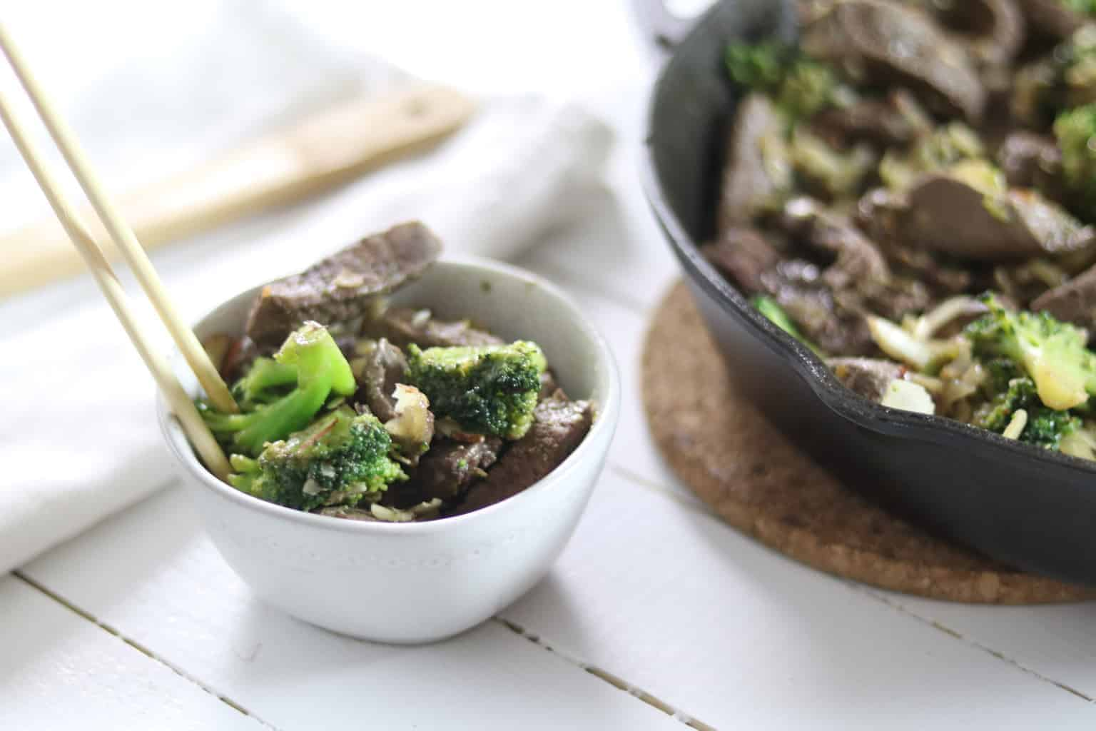 This delicious paleo and whole 30 broccoli is the perfect Chinese dish for dinner or lunch.